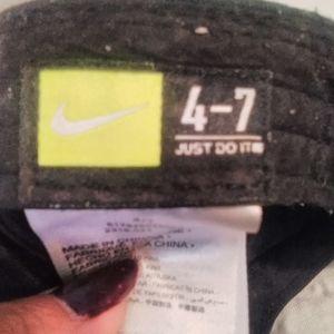 Nike Accessories - NIKE HAT KIDS